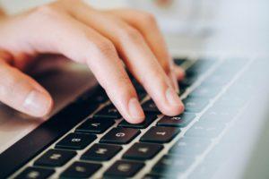 Kredit in der Schweiz aufnehmen: Antragsstellung übers Internet